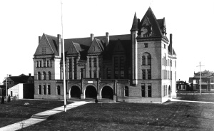 Black and white photograph of courthouse