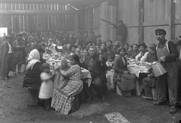 Treaty_Day_Celebration_at_the_Tulalip_Indian_Reservation_Group_dining