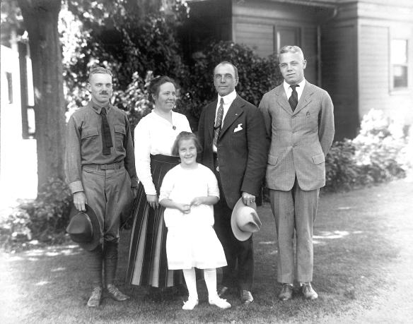 Hartley family at house WWI epl 0344